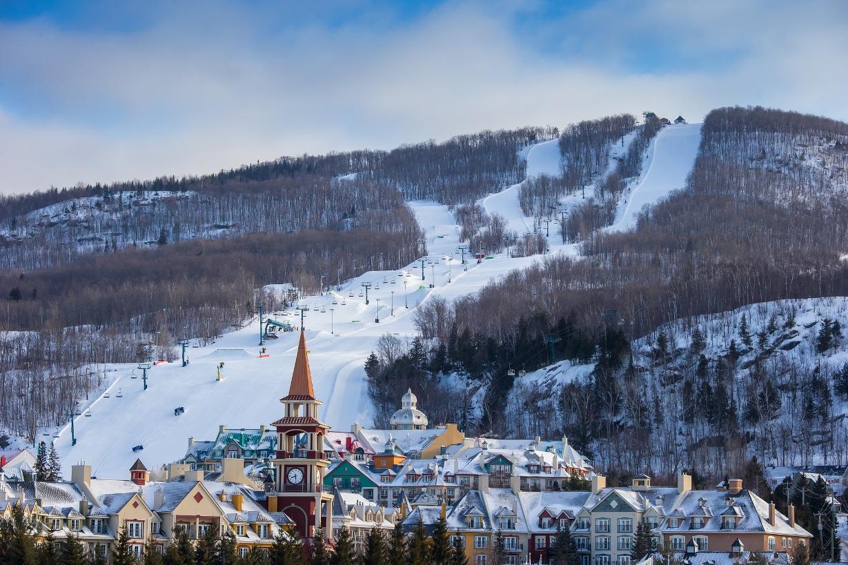 Mont Tremblant en hiver (photo fourni par la station du Mont Tremblant)